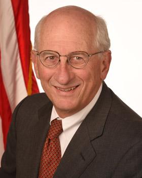 Headshot ofDr. Thomas Novotny